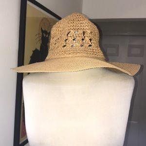 Jones New York 💯 % Paper Straw Hat 😘😘